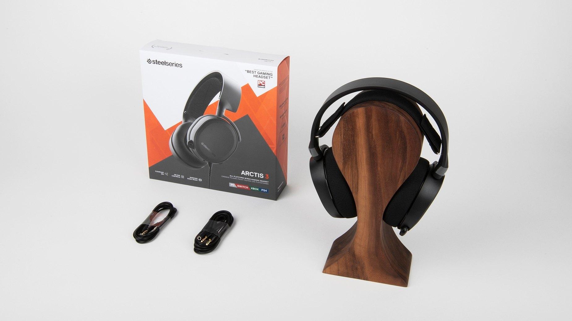 Arctis 3 耳機整盒包裝-黑色遊戲耳機
