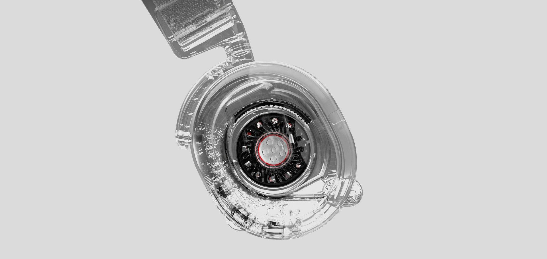 Arctis Prime 麥克風與耳罩的清晰特寫。