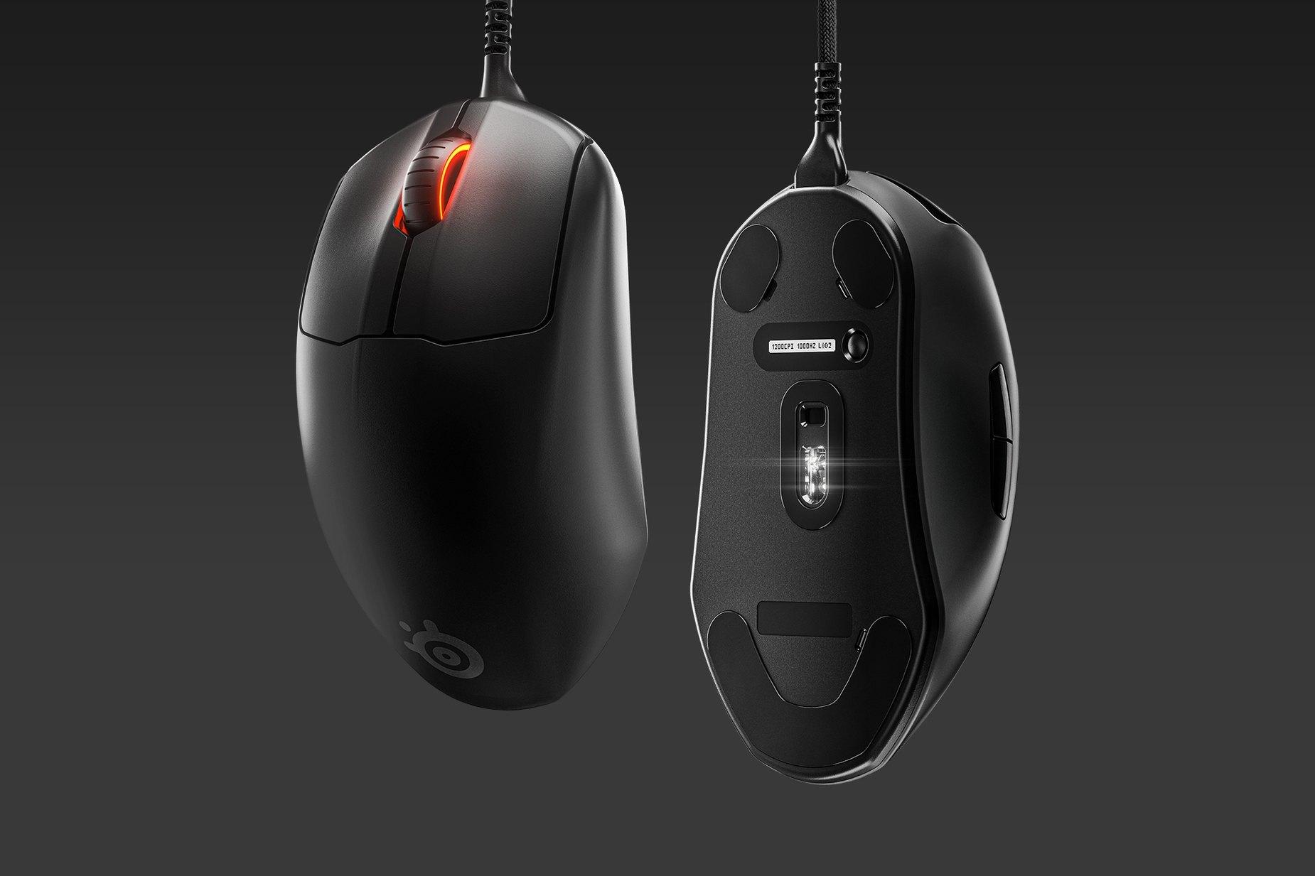 兩支 Prime+ 滑鼠:一支展示掌托,另一支展示感應器。