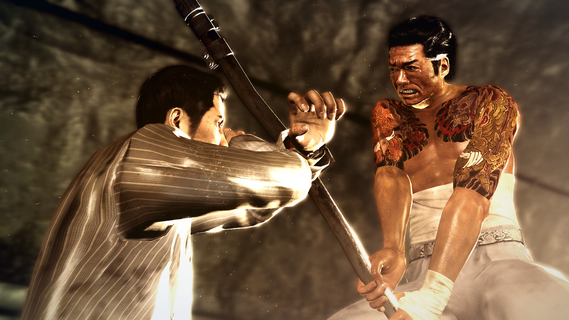 Protagonist Kiryu is locked in fierce combat with an enemy.