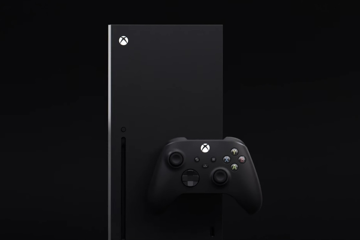 The all-black Xbox Series X in all its glory.