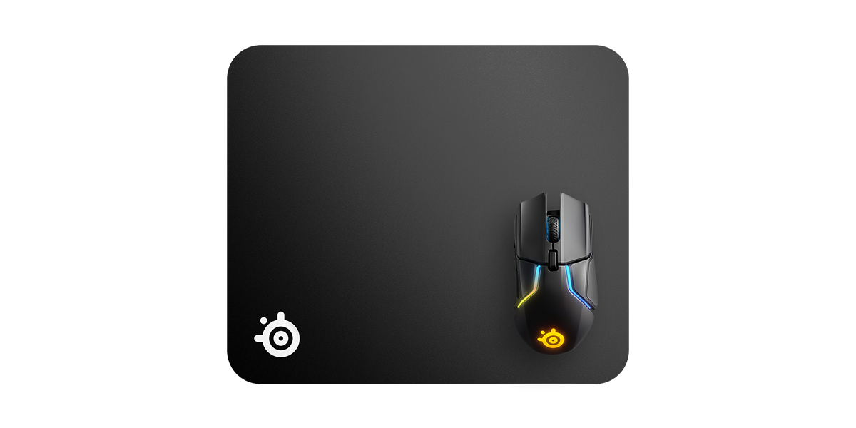 QcK Black top angle with mouse for size