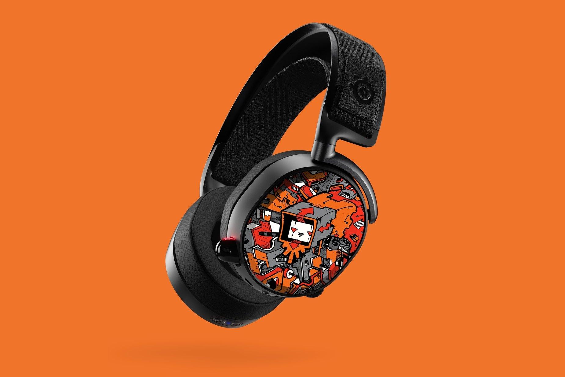 Arctis Pro Lautsprecherteller mit dem Design von Dune Haggar an einem schwebenden Headset