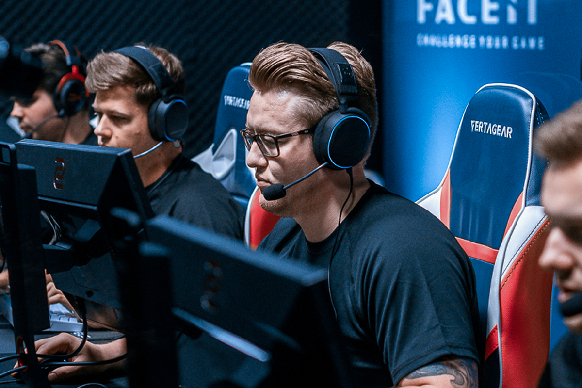 Multiple esports athletes in competition wearing the Arctis Pro headset