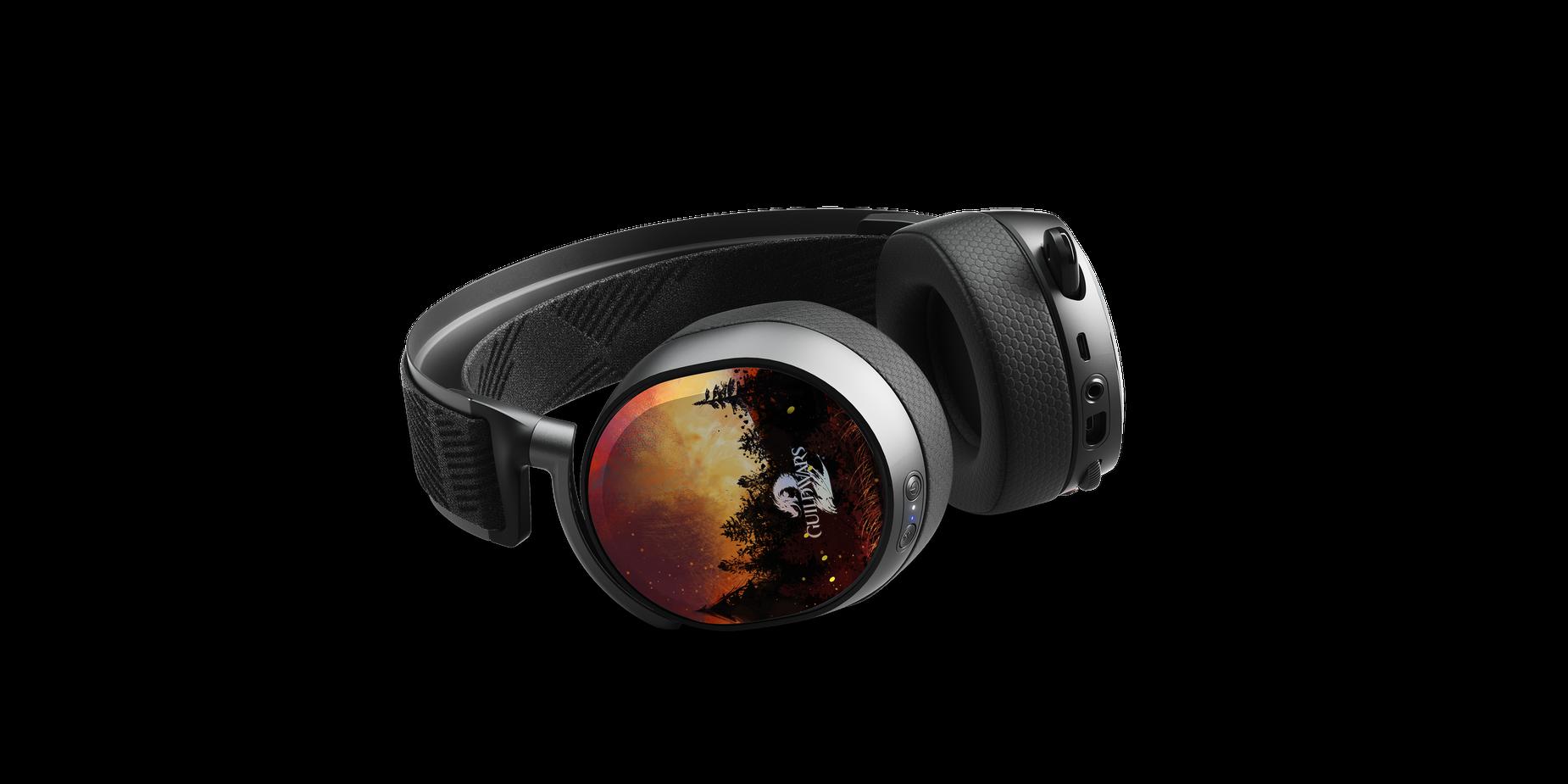 Plaques d'écouteur illustrant les deux aspects de la Tyrie, d'un côté les flammes brûlantes et de l'autre le froid glacial, sur un casque audio Arctis Pro posé sur le côté.