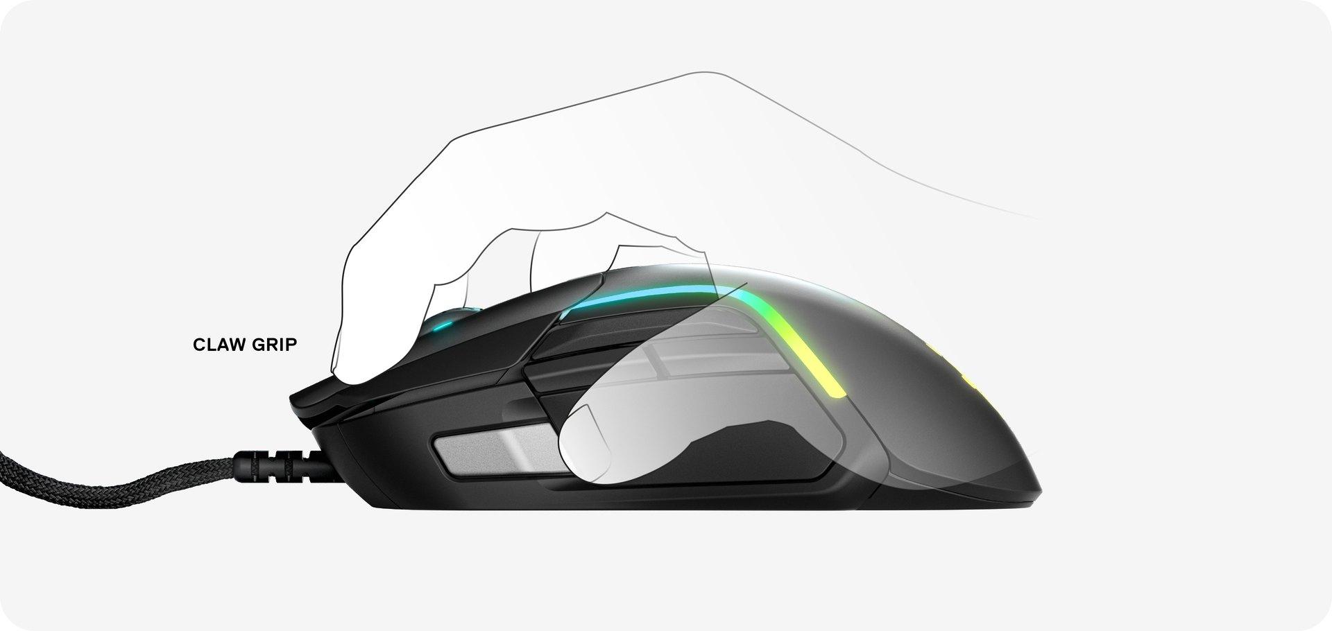 Kuva kädestä, joka käyttää Rival 5 -mallia kouraotteella.