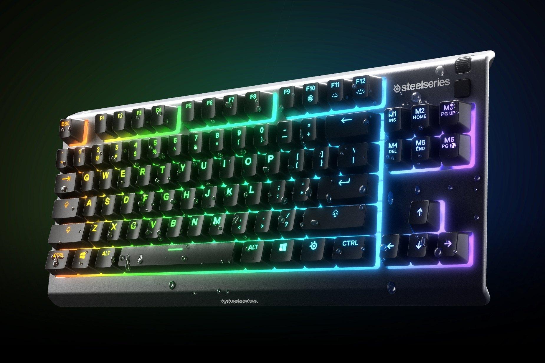 """""""Apex 3TKL""""-Tastatur mit abperlenden Wassertropfen zur Veranschaulichung der innovativen wasserfesten Eigenschaften."""