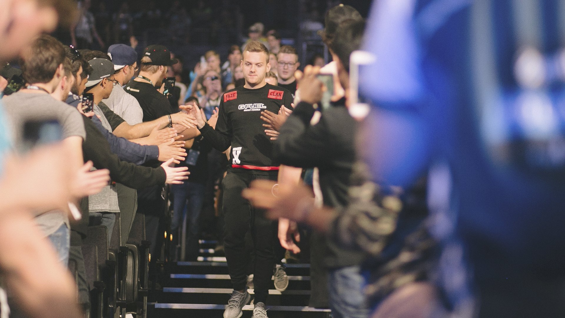 FaZe gamer walking through the competition floor