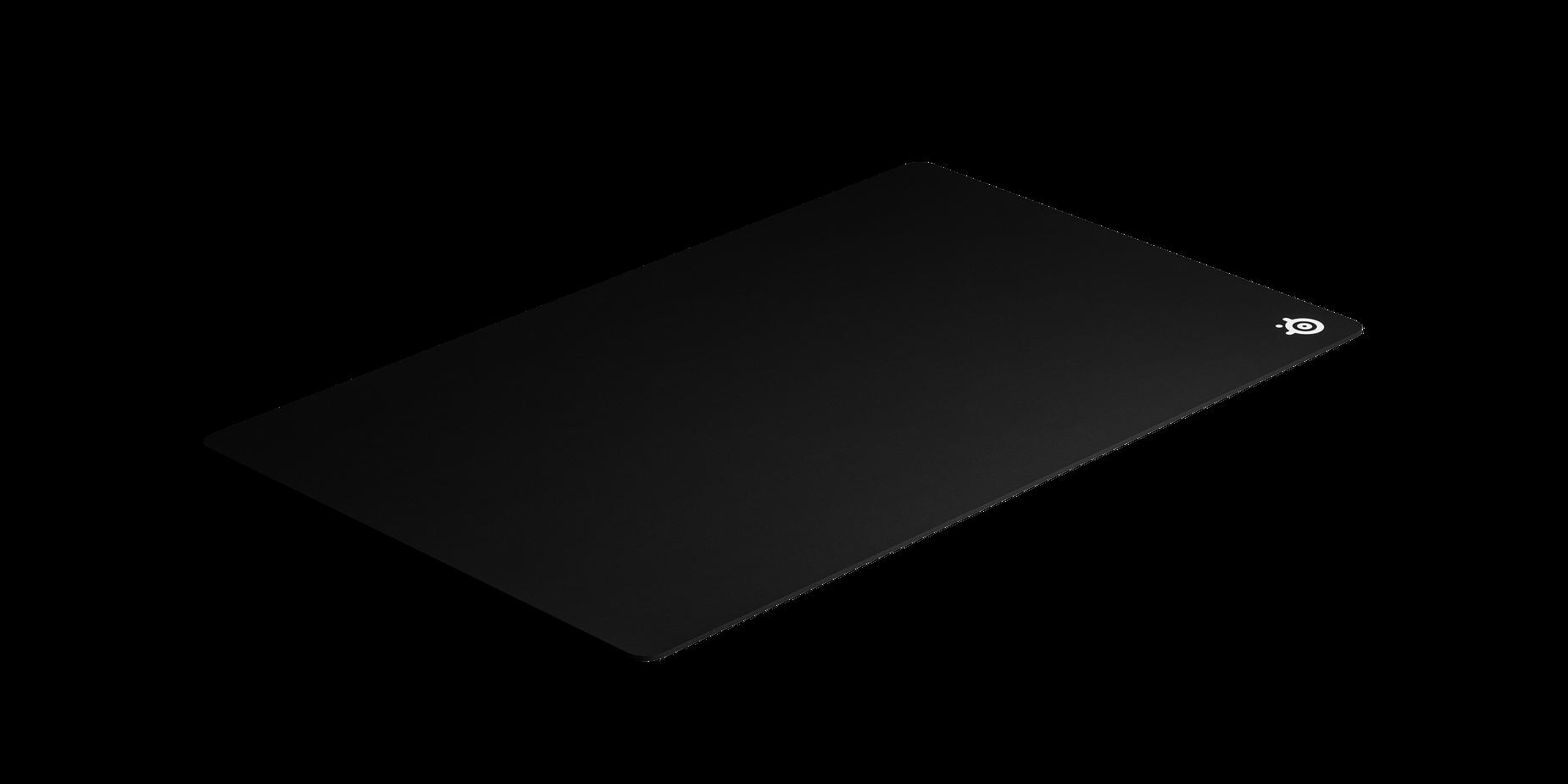 サイズを比較したQcKマウスパッドのアングル画像